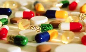 cliché montrant différents comprimés de médicaments